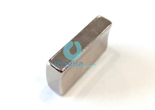 n35sh ndfeb arc magnet r38xr31x16 5mmx30mmx7mm 4 - N35SH NdFeB Arc Magnet R38xR31x16.5mmx30mmx7mm