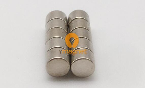 n35 ndfeb disc magnet d4mm 3mm 2 - N35 NdFeB Disc Magnet D4mm*3mm