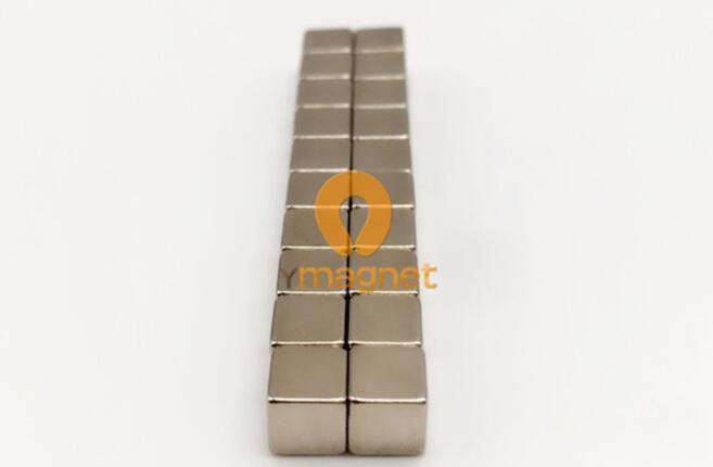 n52 ndfeb cube magnet f5mm 5mm 5mm 1 - N52 NdFeB Cube Magnet F5mm*5mm*5mm