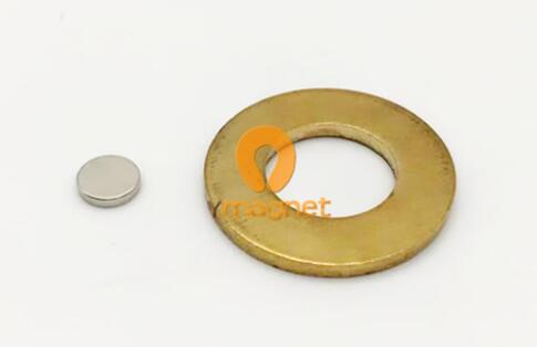 n45 ndfeb disc magnet d5mm 1mm 1 - N45 NdFeB Disc Magnet D5mm*1mm