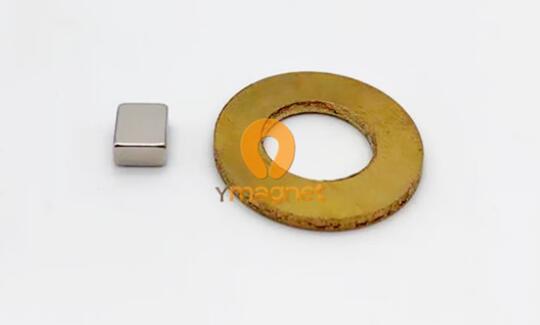 n52 ndfeb block magnet f5mm 6mm 3mm 1 - N52 NdFeB Block Magnet F5mm*6mm*3mm