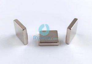 N52 NdFeB Block Magnet F18mm*18mm*4mm